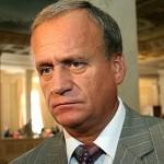 Жену депутата Сухого взяли в заложники боевики оппозиции и потребовали выйти из Партии регионов. Олегу Царёву и его семье угрожают.