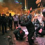 За минувшие в сутки в уличных столкновениях в Киеве погибли более 20 человек