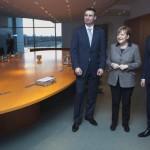 Меркель встретится с оппозицией, а Януковича называют «полупрезидентом»