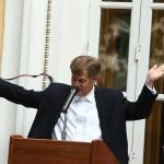 Майкл МакФол призвал НАТО наращивать численность войск на границах с Россией