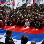 Жители юго-востока Украины добиваются проведения референдумов о статусе своих регионов
