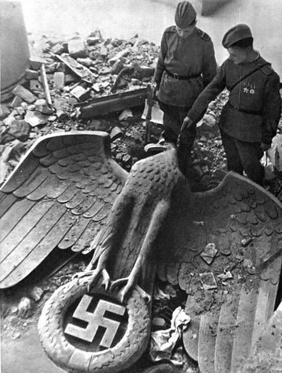 hitler-nazism-soldiers-war-Favim.com-152322