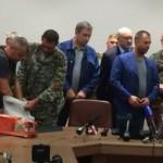 Представители ДНР передали «чёрные ящики» разбившегося Boeing делегации Малайзии