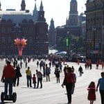 ВЦИОМ: половина россиян уверена, что жить лучше в РФ, чем за рубежом